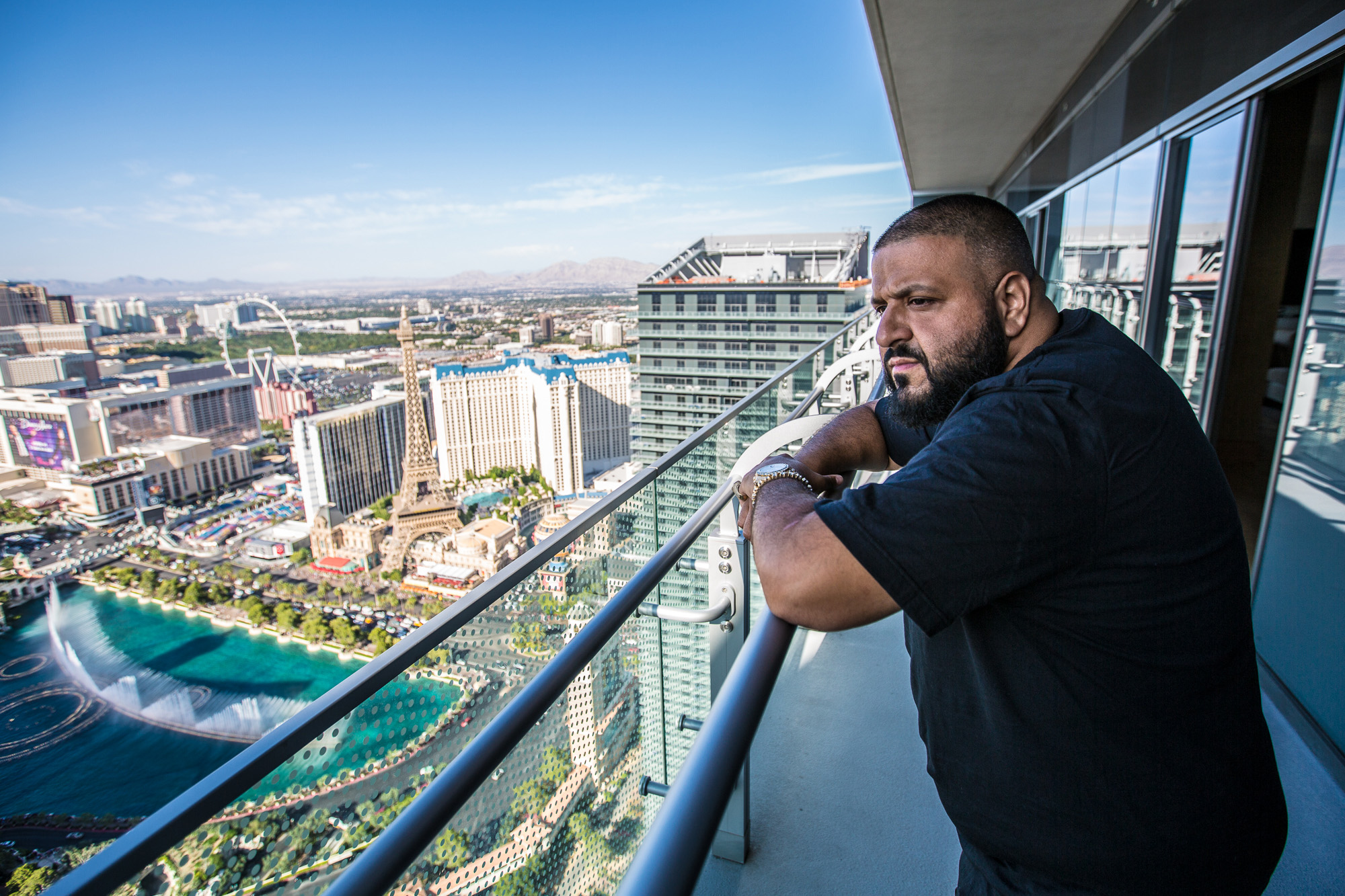 dj-khaled-enjoys-breathtaking-views-of-the-strip-17-HR
